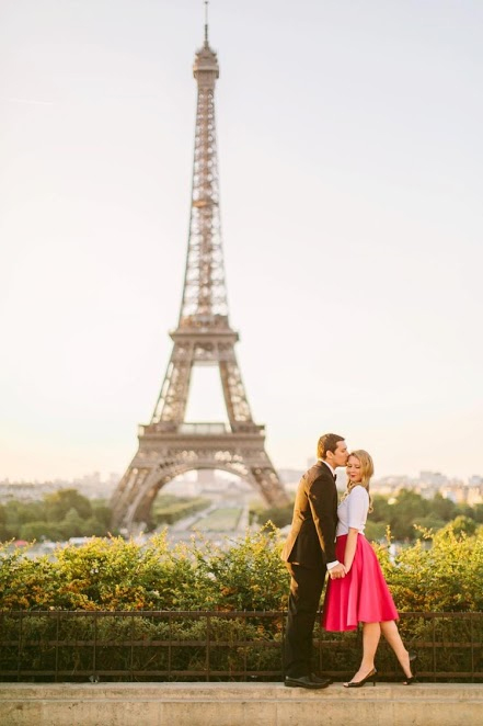 Photo by: L'Amour de Paris - Poised and prim, this location, rich in its history of romance, is timeless and versatile. Whether pretty in pink or clad in jeweled detailing, this well-known monument will serve as the perfect background to any occasion.